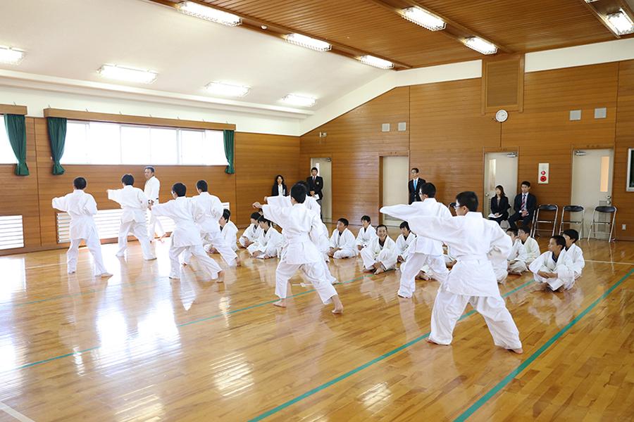 令和元年度中学校武道授業(空手道)指導法研究事業を開催