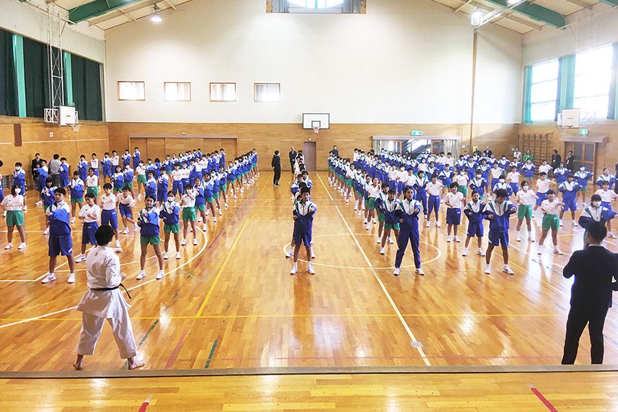 静岡県富士宮市の中学校で「空手道教室」を開催